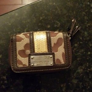 Nine West wallet 5x3in never used